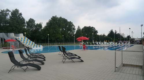 Cernusco sul naviglio taglio del nastro bagnato per la piscina all 39 aperto di via buonarroti - Piscina trezzano sul naviglio nuoto libero ...