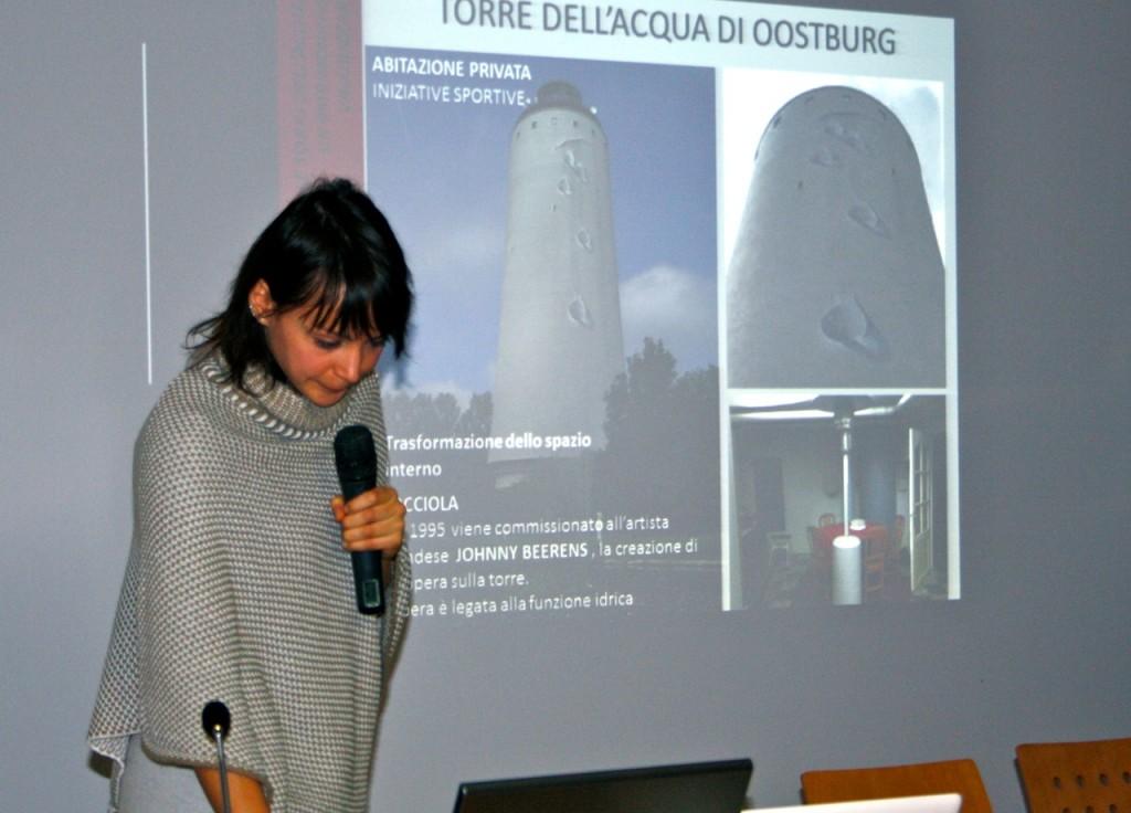 L'Architetto Mogigato illustra i progetti per la Torre dell' acqua