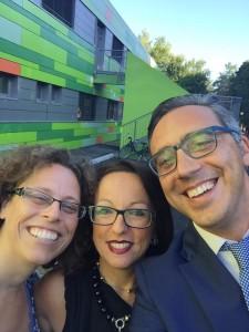 il selfie pubblicato sui social dall'assessore Di Bari sorridente accanto alla Dirigente Nigro e all'assessore Perego