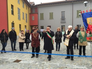 Antonio Brescainini con gli assessori e i consiglieri comunali