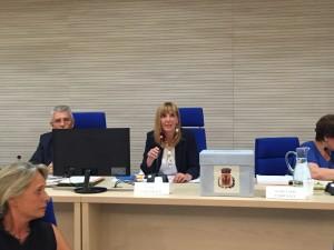 Al centro Paola Gallarotti, presidente del consiglio comunale