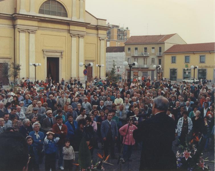 Inaugurazione Piazza Roma nel 1990