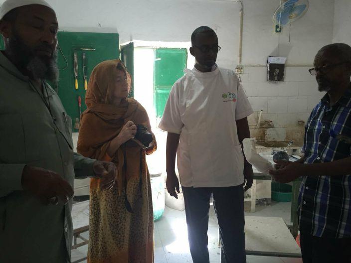 Cinzia Andreoni in visita presso il centro di riabilitazione fisioterapia della Luna Rossa
