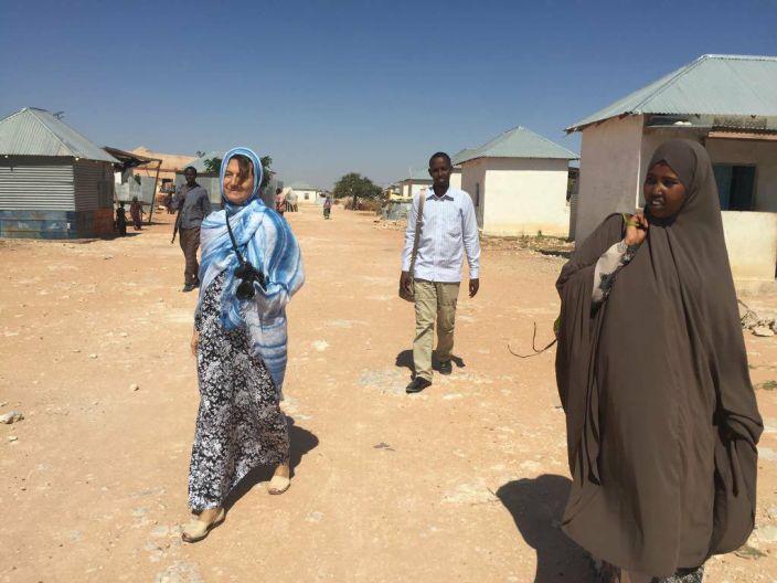 Cinzia Andreoni durante il suo viaggio in Somalia
