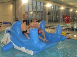 Nuota con papà all'Enjoy Experience Training Center