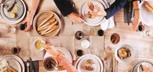 A cena per solidarietà: Croce Rossa Brugherio organizza una cena di beneficenza - Fuoridalcomune.it
